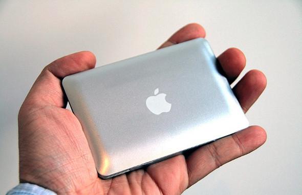 Mac Book Mini Mirror. Изображение № 1.
