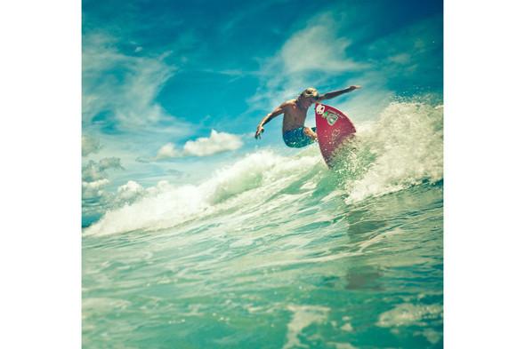 Новички пусть сидят дома: Сергей Мысовский о серфинге на Гавайях, Таити и других любимых местах. Изображение № 5.
