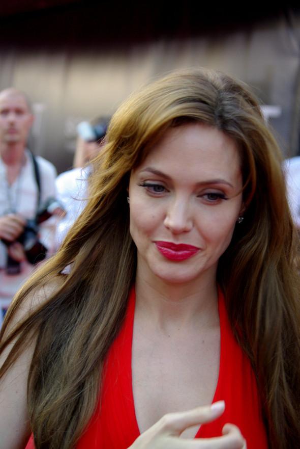 Анджелина нагревает Москву. Изображение № 19.