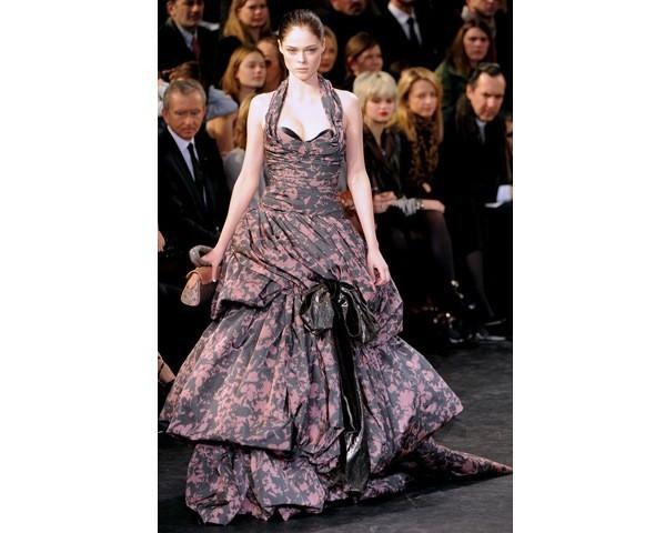 Можно все: Модели на показе Louis Vuitton. Изображение № 40.