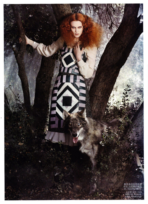Съёмка: Карен Элсон для китайского Vogue. Изображение № 8.