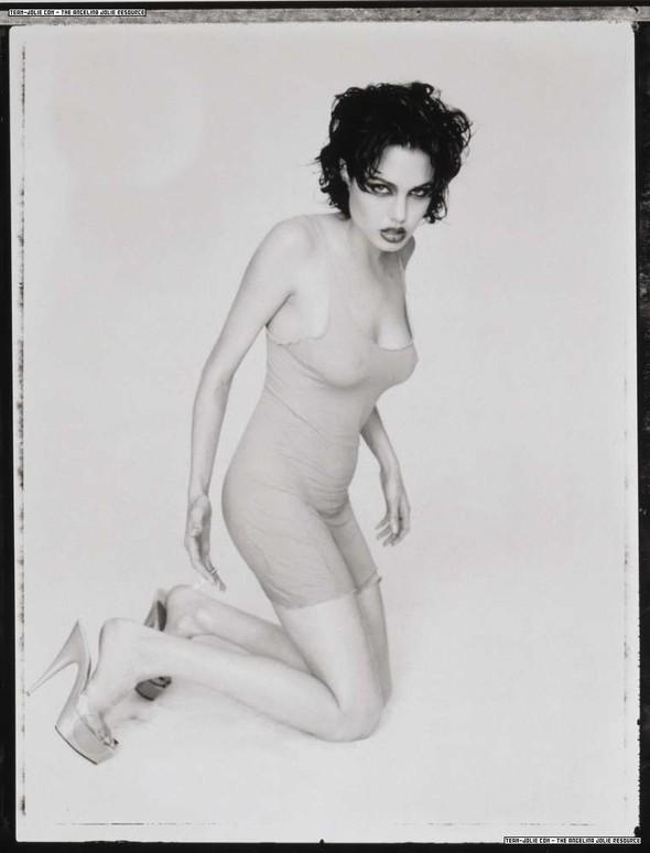 Happy Birthday. Angelina Jolie. Изображение № 10.