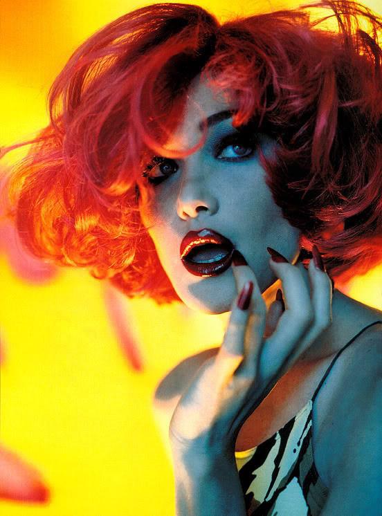 Архивная съёмка: Карла Бруни для Vogue, 1996. Изображение № 7.