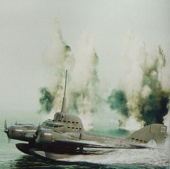 Из-под воды в небеса. Летающая подводная лодка. Изображение № 2.