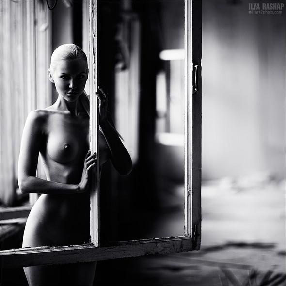 Фотограф Илья Рашап: ню-ансы красоты. Изображение № 6.