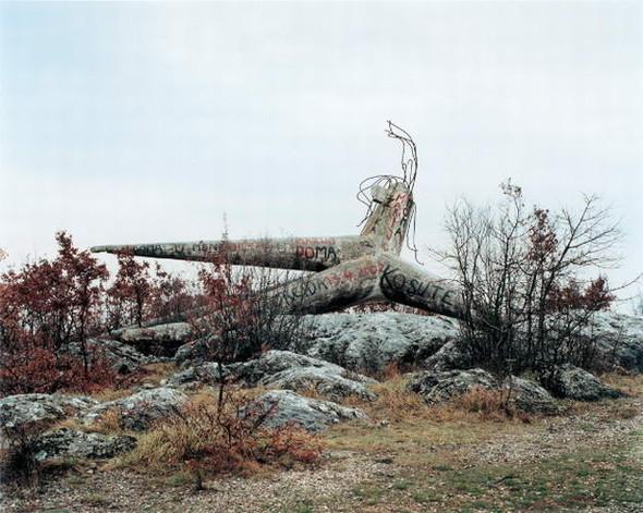 ЯнКемпенаэрс. Югославские споменики. Изображение № 12.