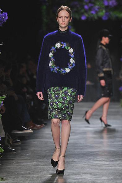 Givenchy, источник: Fashionologie.com. Изображение № 23.