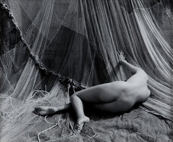 Части тела: Обнаженные женщины на фотографиях 50-60х годов. Изображение № 25.
