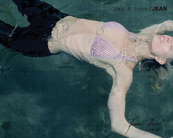 Кампания: Хелена Кристенсен сняла Каролину Куркову для Rag & Bone. Изображение № 26.