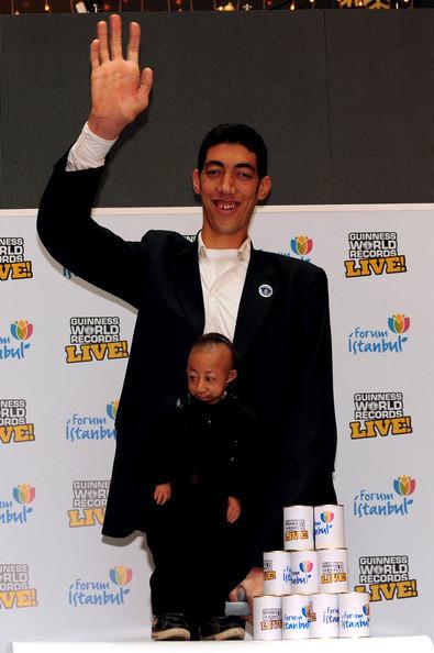 Самый большой и самый маленький человек. Изображение № 6.