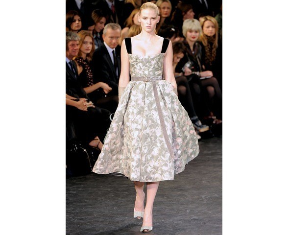 Можно все: Модели на показе Louis Vuitton. Изображение № 17.