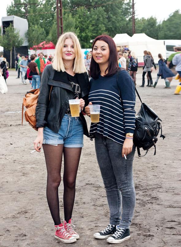 Золотые шорты, джинсовые рубашки и шляпы: Люди на фестивале MELT!. Изображение №28.