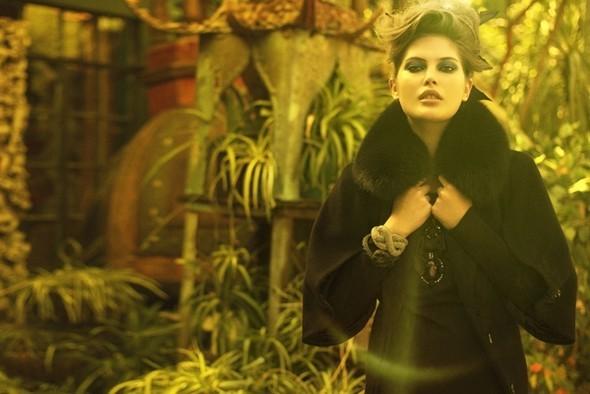 Vogue Italia October 2009. Изображение № 7.