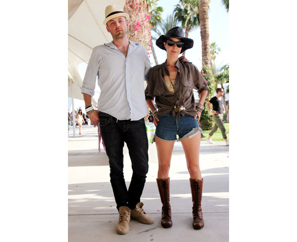 Стрит-стайл на фестивале Coachella. Изображение № 29.