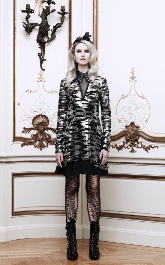 Вышли новые лукбуки Alexander McQueen и Moda Operandi. Изображение № 21.