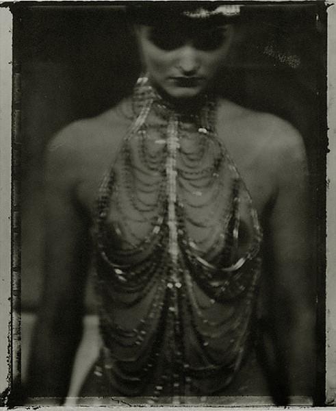 Сара Мун, фотограф: «Мода всегда будет продавать мечты — приземленные и возвышенные». Изображение №19.