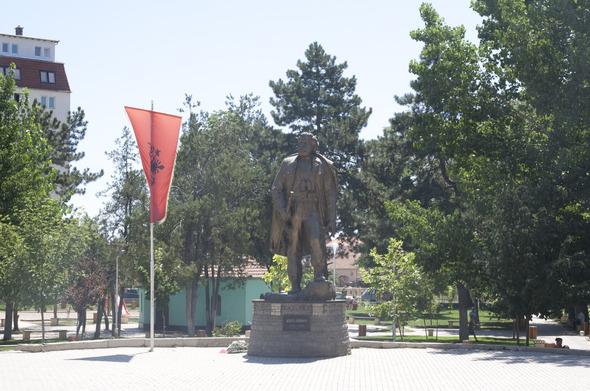 По городам Косова и других балканских стран.. Изображение № 26.