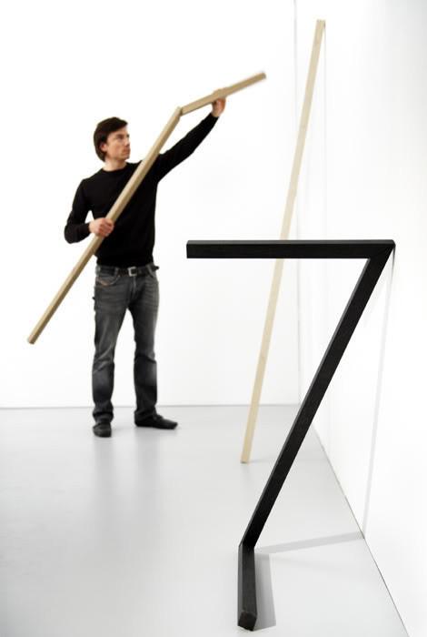 Несколько вешалок для нестандартных интерьеров. Изображение № 1.