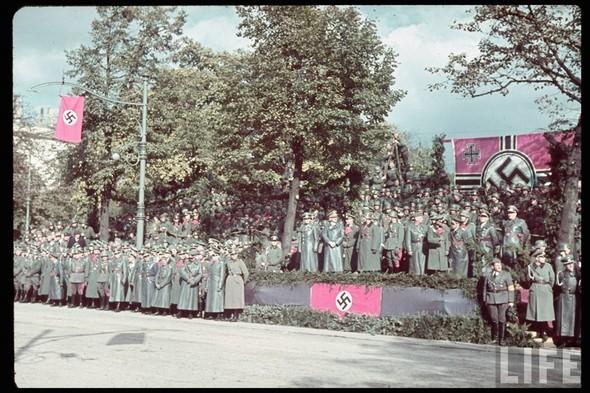 100 цветных фотографий третьего рейха. Изображение №95.
