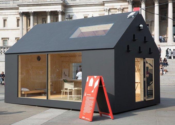 Дизайнеры создали инсталляцию для Airbnb на Трафальгарской площади. Изображение № 20.