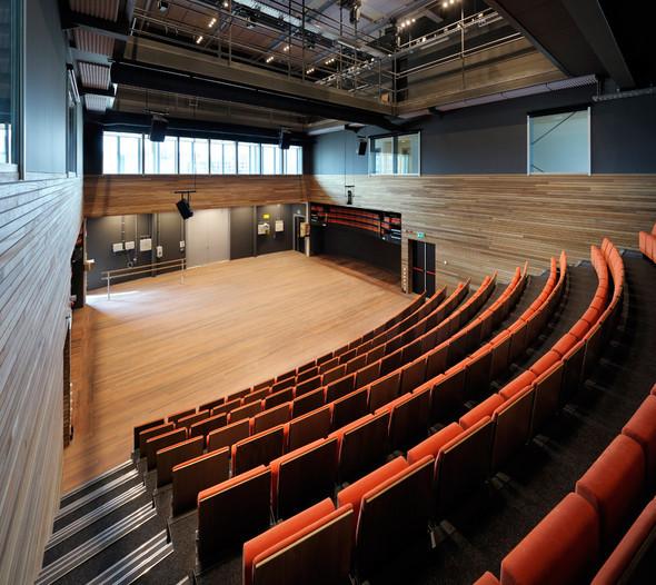 Bijlmer Park Theater. Изображение № 15.