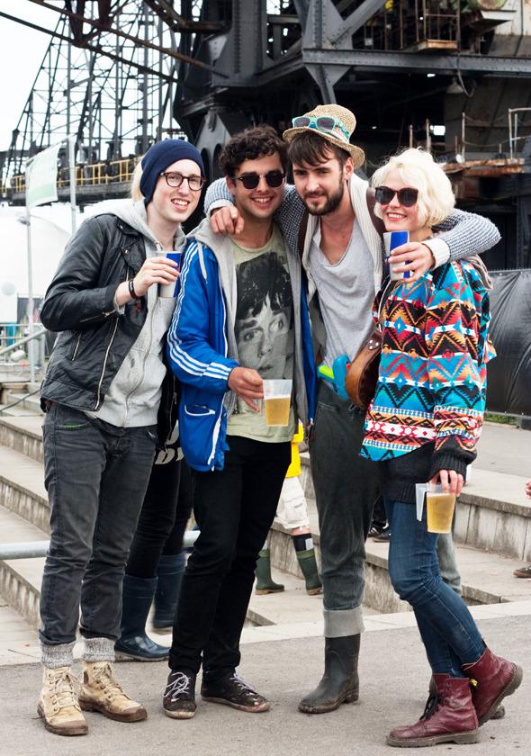 Золотые шорты, джинсовые рубашки и шляпы: Люди на фестивале MELT!. Изображение № 8.