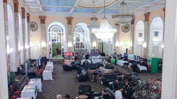 Холл отеля – точная копия холла Титаника. Изображение № 13.