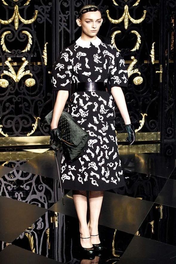 Изображение 24. Louis Vuitton Fall 2011.. Изображение № 24.