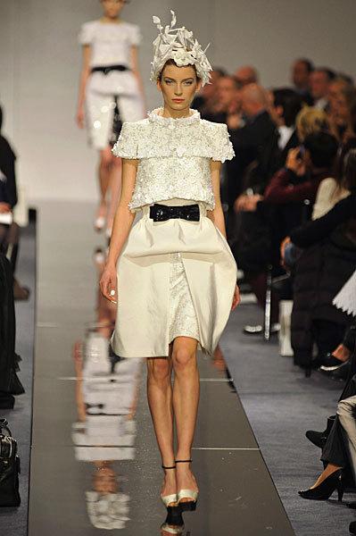 Chanel Spring 2009 Haute Couture. Изображение № 27.