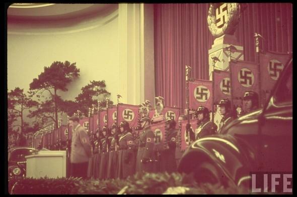 100 цветных фотографий третьего рейха. Изображение №52.