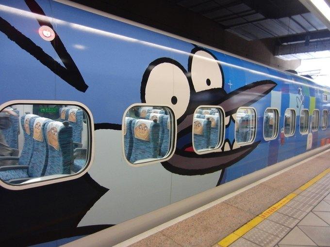 На Тайване запустили поезд в виде Джейка из «Времени приключений». Изображение № 6.