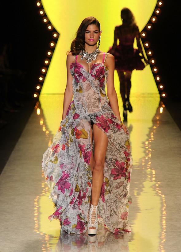 New York Fashion Week: Betsey Johnson Spring 2012. Изображение № 78.