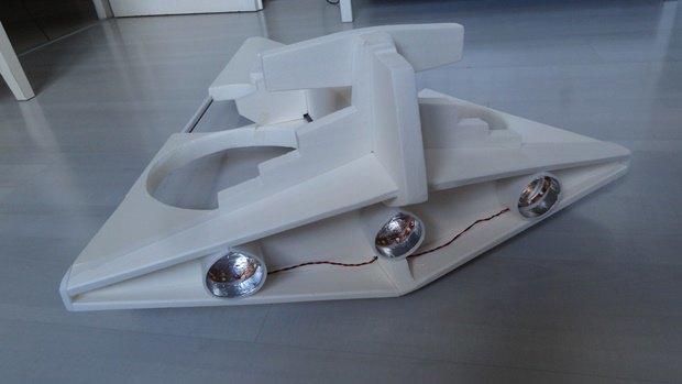 Энтузиаст собрал дрон в виде имперского крейсера. Изображение № 22.