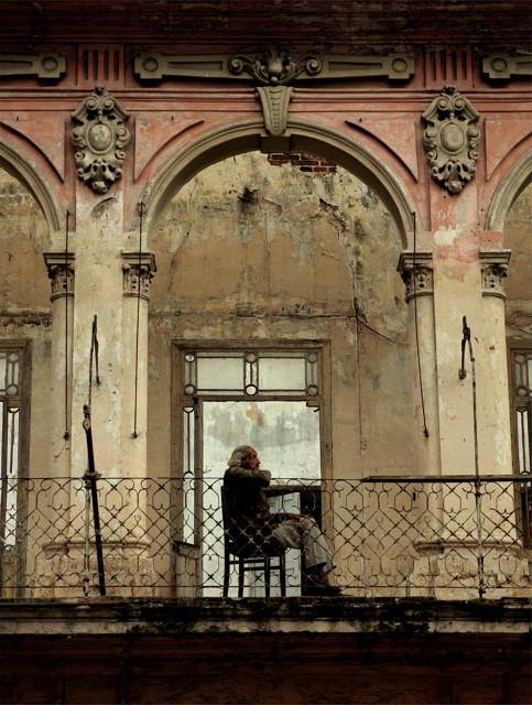 Изображение 14. Фасады Гаваны от Michael Eastman.. Изображение № 14.