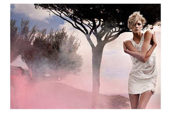 Новые рекламные кампании: Fendi, Mango, McQueen, Hermes. Изображение № 4.