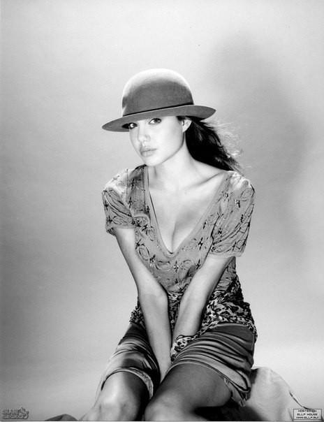 Первая фотосессия Анджелины Джоли. 1989 год. Изображение №2.