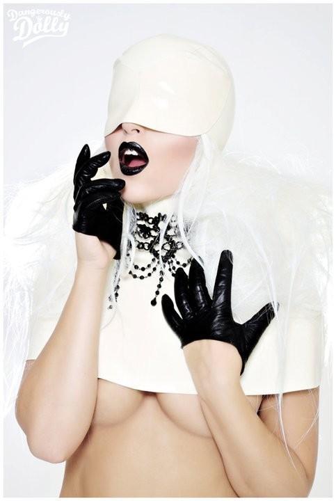 Изображение 16. Dangerously Dolly.. Изображение № 8.