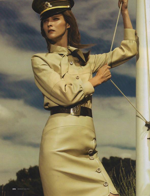 Съёмка: Кармен Касс для российского Elle. Изображение № 2.