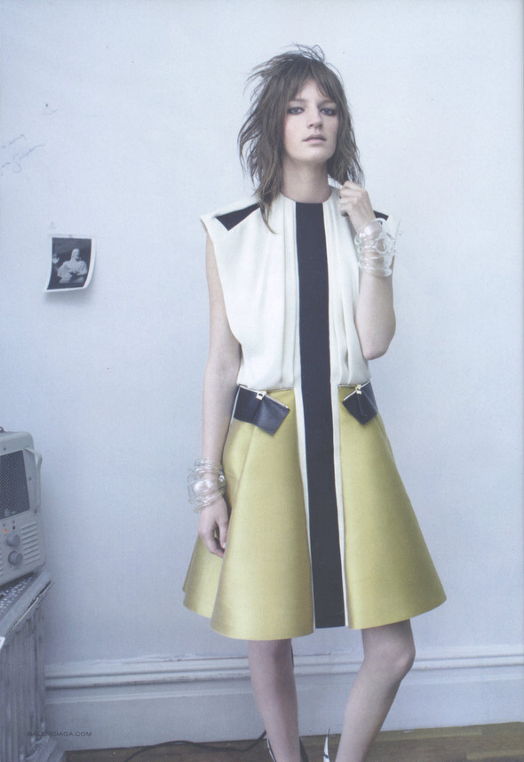 Превью кампаний: Balenciaga и Marc by Marc Jacobs. Изображение № 1.