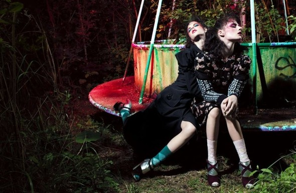 Съёмка: Вилли Вандерперре для Love. Изображение № 2.