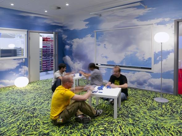 Позитивный офис компании LEGO. Изображение № 9.
