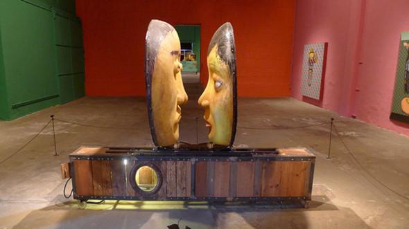 Дизайн-дайджест: Книга мифов о Бэнкси, выставка Ай Вэйвэя и арт-ярмарка FIAC в Париже. Изображение № 51.