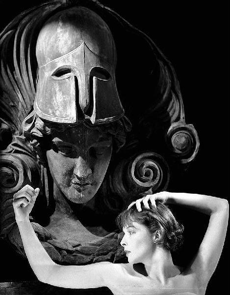 Cecil Beaton. Изображение № 150.