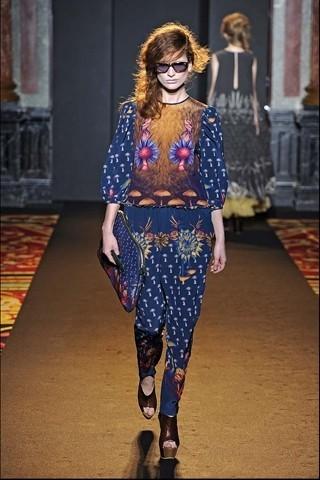 Алена Ахмадуллина на Парижской неделе моды. Изображение № 15.