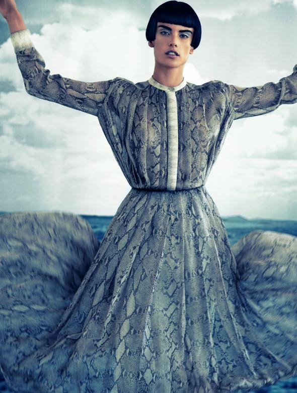Съёмка: Алессандра Амброзио для Muse. Изображение № 11.