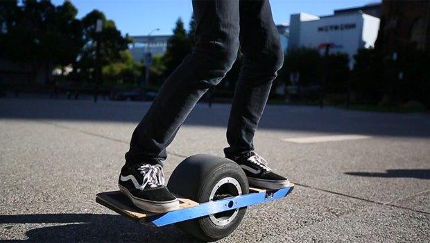 Создан самобалансирующийся одноколёсный скейтборд. Изображение № 1.