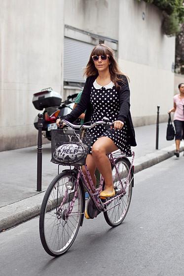 Уличный стиль на Неделе высокой моды в Париже. Изображение № 84.