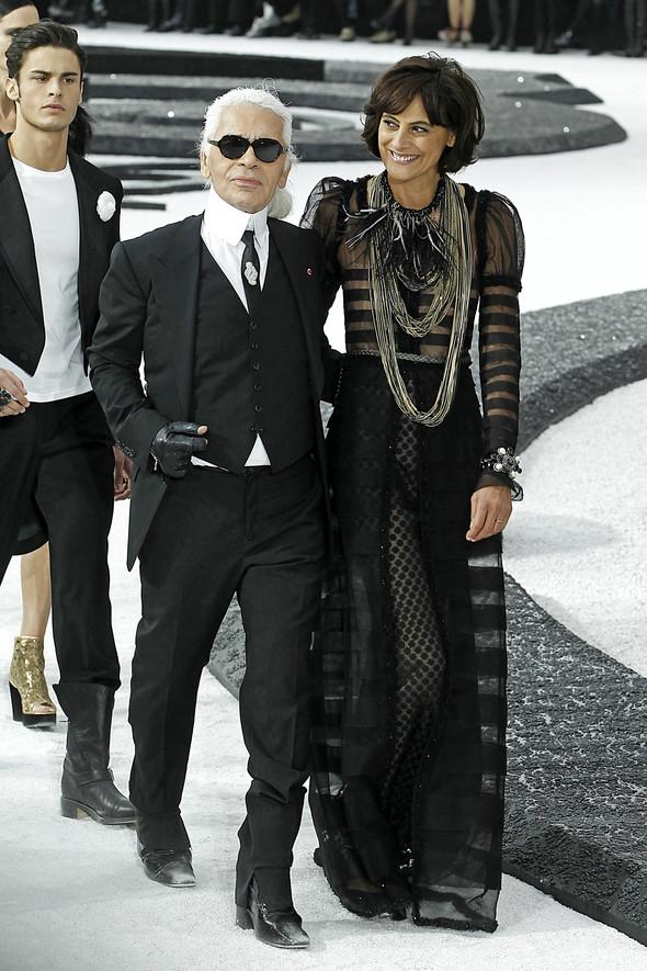 Карл Лагерфельд показал одну из самых красивых коллекций, когда-либо созданных для Chanel. Изображение № 1.
