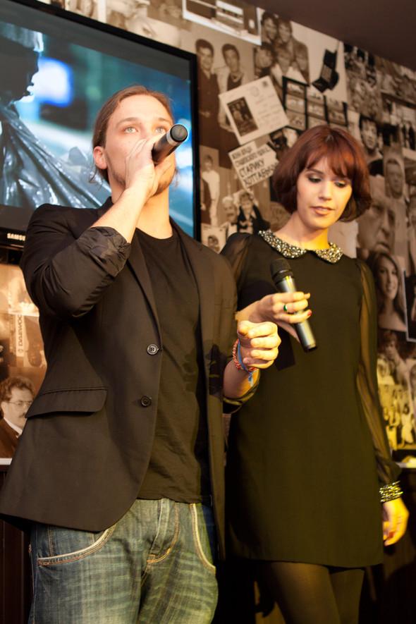Презентация клипа группы Т9 «На расстоянии любви» в «Руки Вверх bar. Изображение № 7.