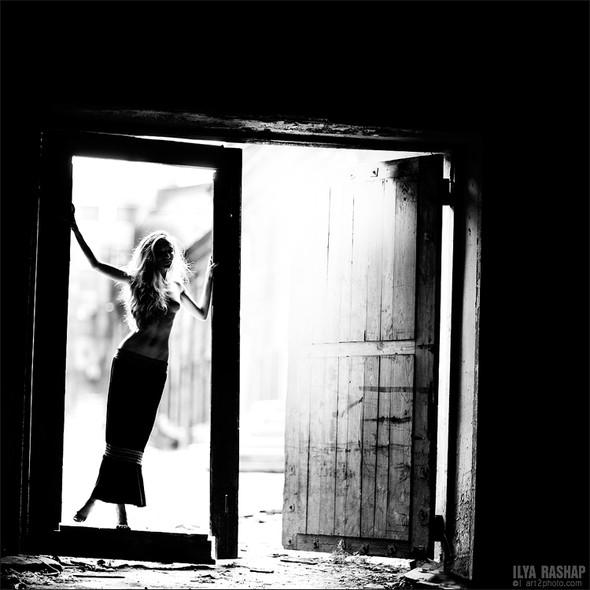 Фотограф Илья Рашап: ню-ансы красоты. Изображение № 14.